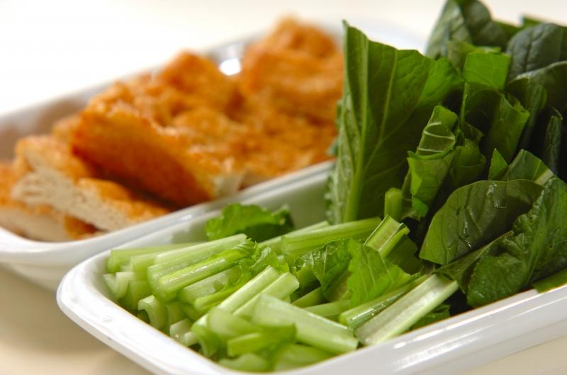 小松菜と油揚げのだし浸しの作り方の手順1