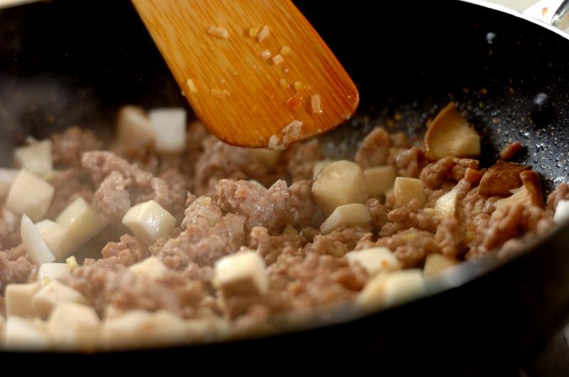 エリンギでかさ増し! ジャージャー麺の作り方の手順3