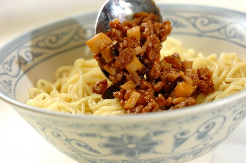 エリンギでかさ増し! ジャージャー麺の作り方の手順5