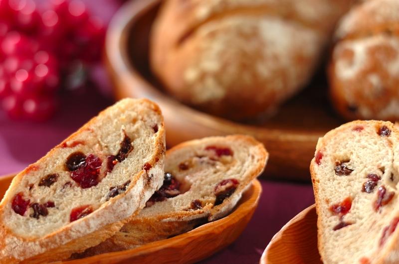 クランベリーとレーズンのライ麦パンの作り方の手順