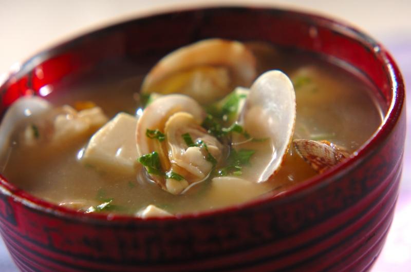 豆腐とアサリのみそ汁の作り方の手順