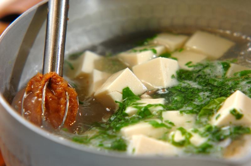 豆腐とアサリのみそ汁の作り方の手順3