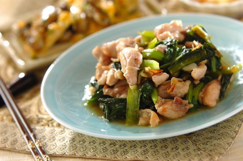 鶏と小松菜の塩炒めの作り方の手順
