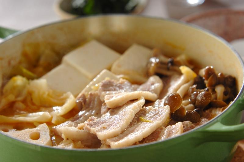 豚とキャベツのピリ辛鍋