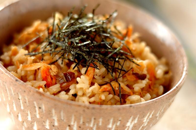 鍋で炊く乾物の旨み炊き込みご飯