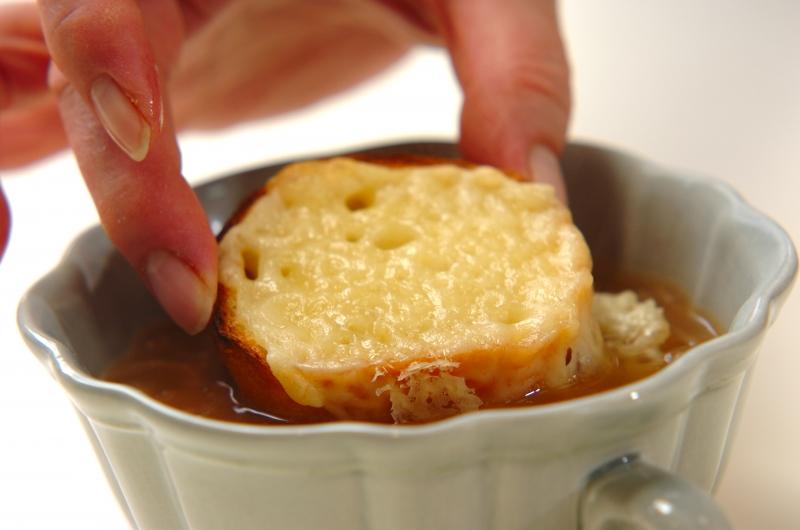 オニオングラタンスープの作り方の手順6
