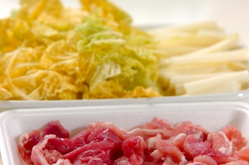 白菜たっぷり皿うどんの下準備1