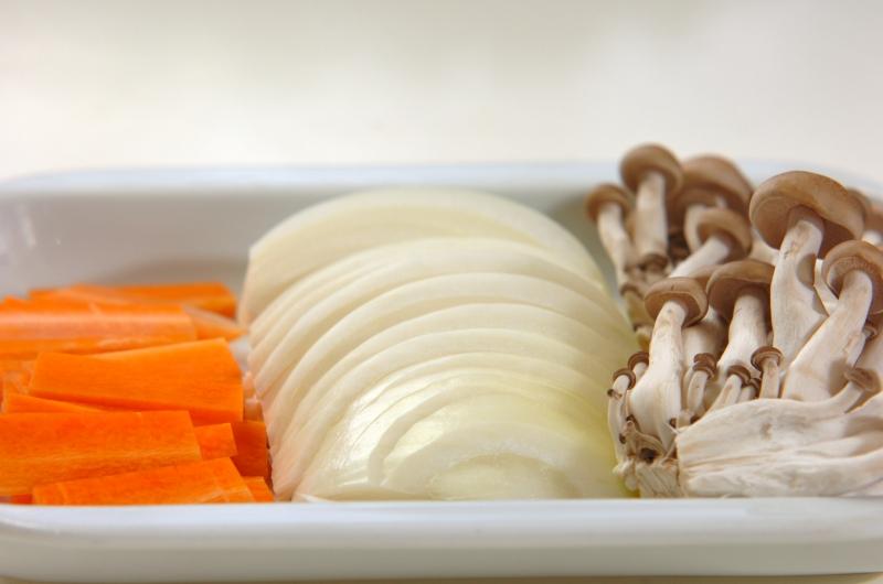 白菜たっぷり皿うどんの下準備2