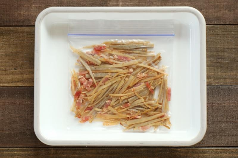 冷凍もできる作り置き!ごぼうとベーコンの塩炒めの作り方4