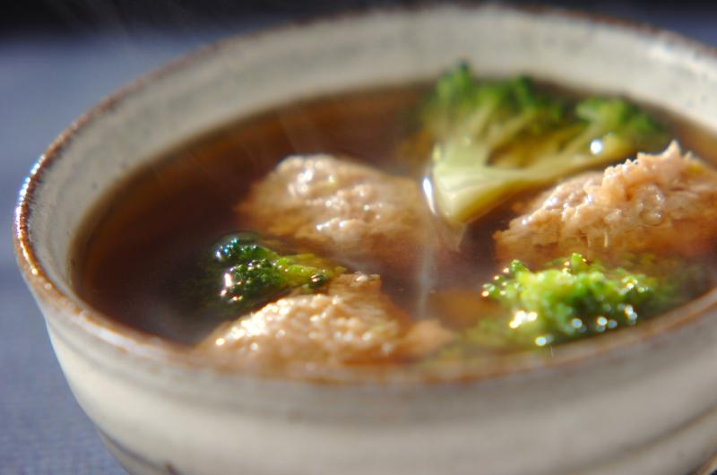 鶏団子とブロッコリーのスープ