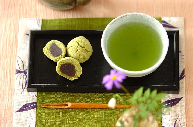 抹茶の黄身しぐれ