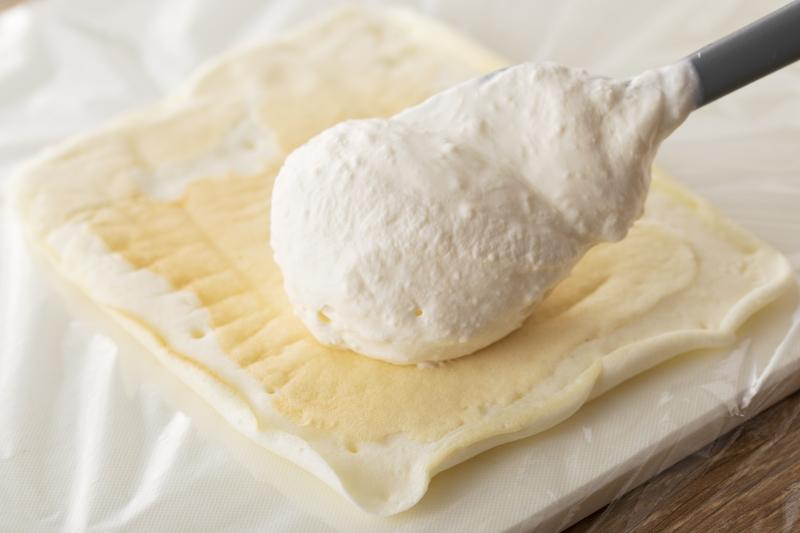 フライパンでできる!聖なる夜のホワイトキャンドルケーキの作り方の手順7