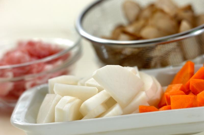 塩麹豚汁の作り方の手順1
