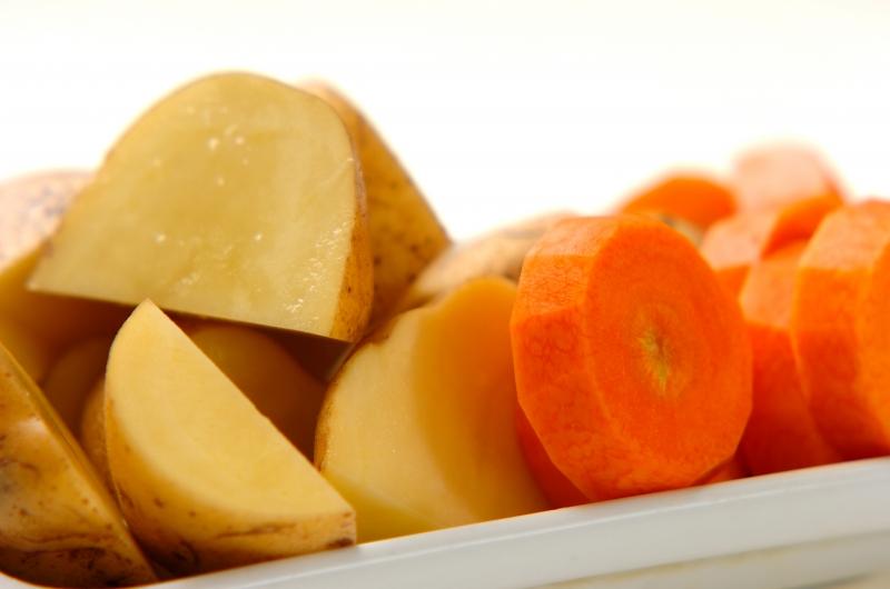 蒸し野菜 トンナートソースの作り方の手順1
