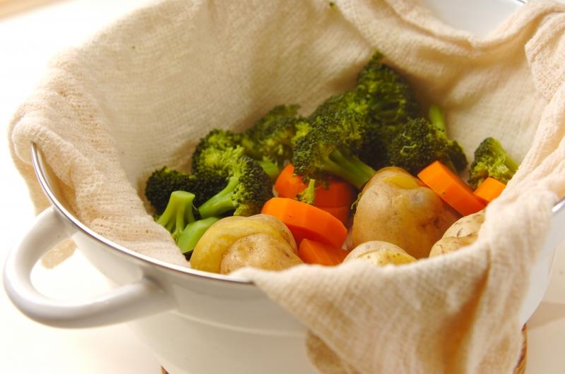 蒸し野菜 トンナートソースの作り方の手順3