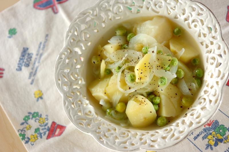 グリンピースとジャガイモのバター煮