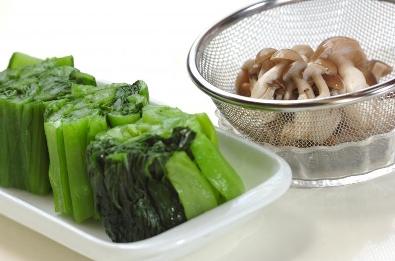 小松菜の天かす和えの作り方の手順1