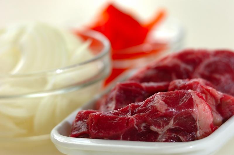 牛スネ肉のシチューの下準備1