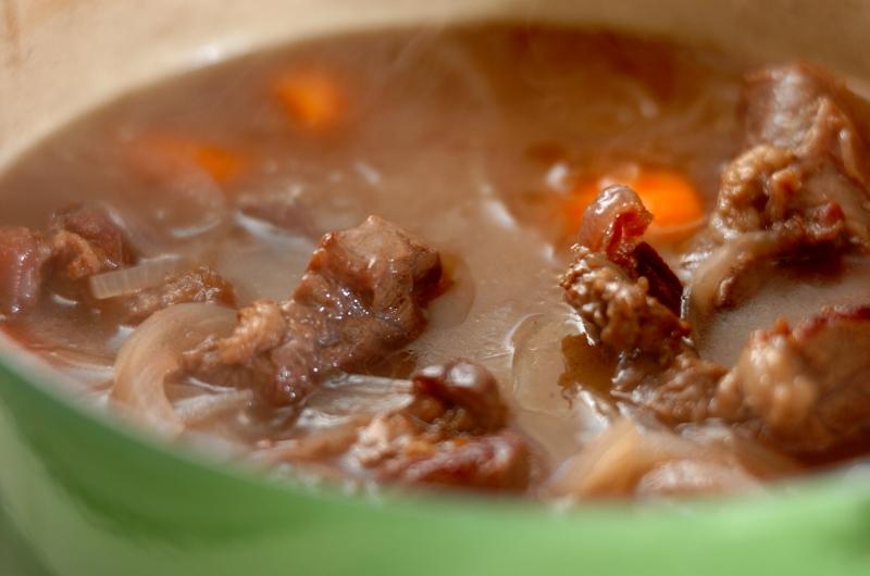 牛スネ肉のシチューの作り方の手順4
