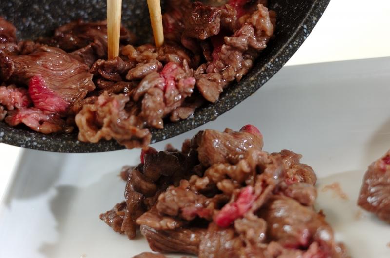 牛肉と白菜のオイスター丼の作り方の手順3