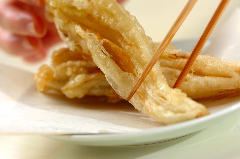 チコリの天ぷらの作り方の手順4