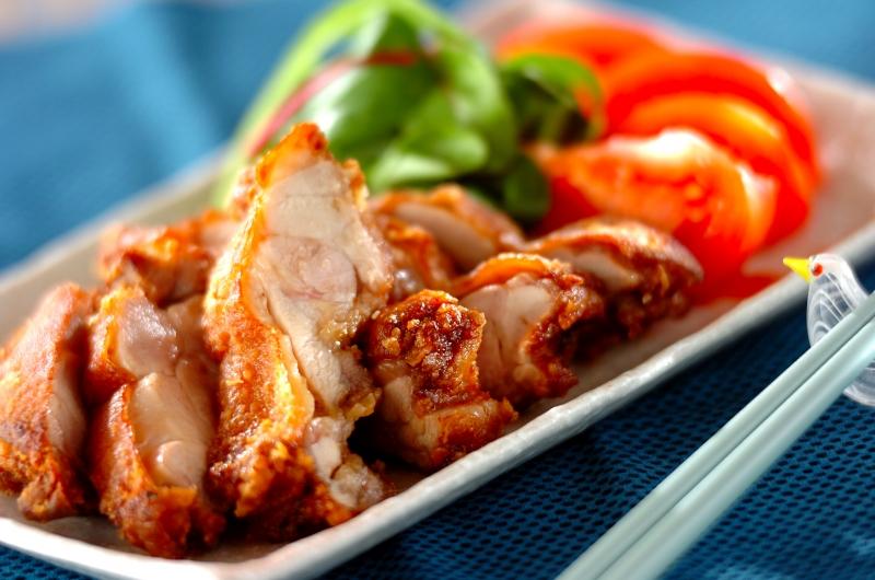 鶏もも肉のおいしい唐揚げ
