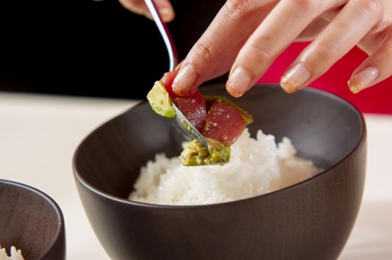 アボカドとマグロの丼の作り方の手順4