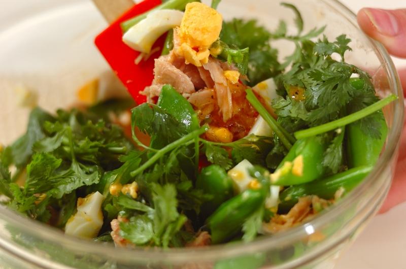 スナップエンドウの卵サラダの作り方1