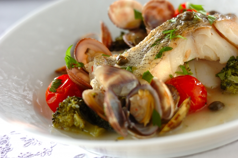 白身魚とアサリのワイン蒸し