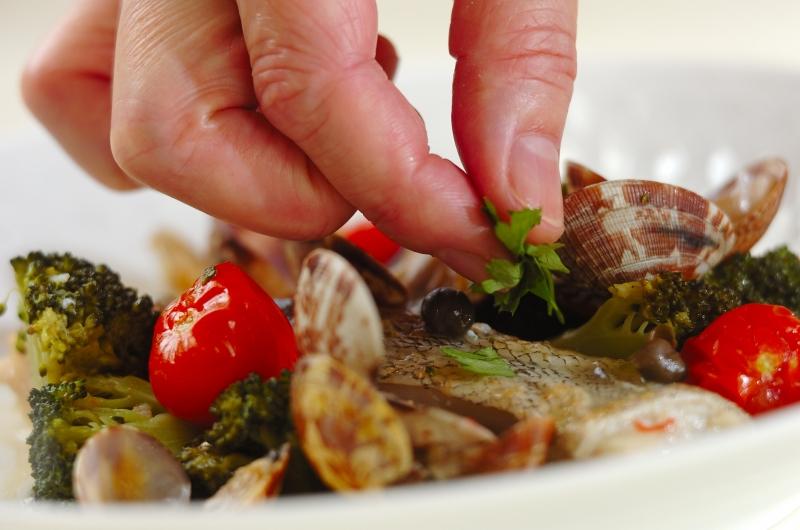 白身魚とアサリのワイン蒸しの作り方の手順5