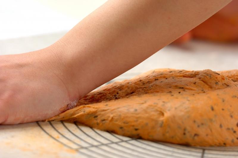 トマトチーズパンの作り方の手順7