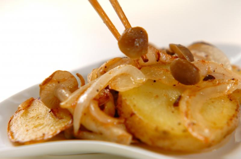 シメジとジャガイモのマヨソテーの作り方の手順5