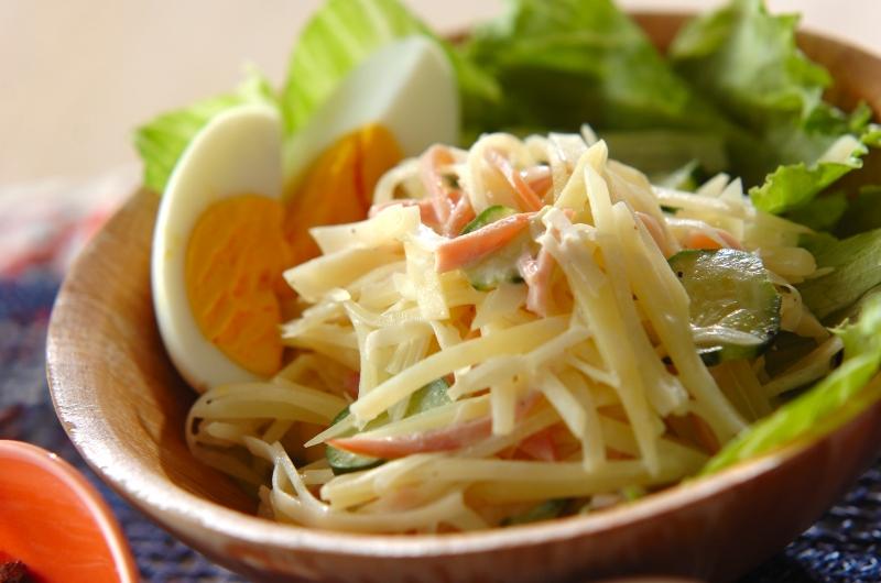 せん切りジャガイモのサラダ