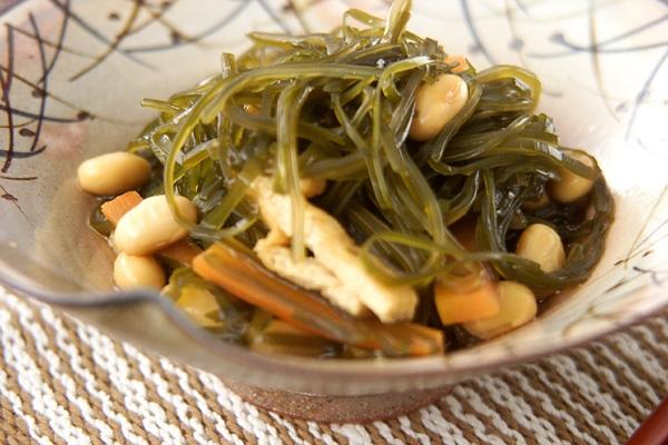 刻み昆布と大豆の煮物
