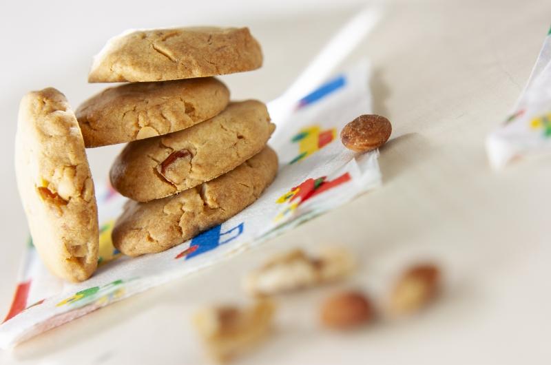 簡単!ナッツ入り即席クッキー