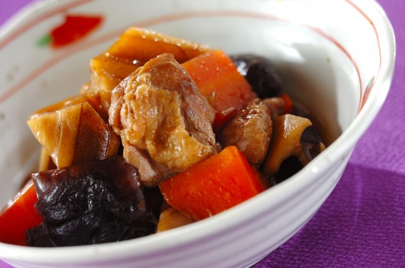 定番常備菜!鶏とレンコンの煮物