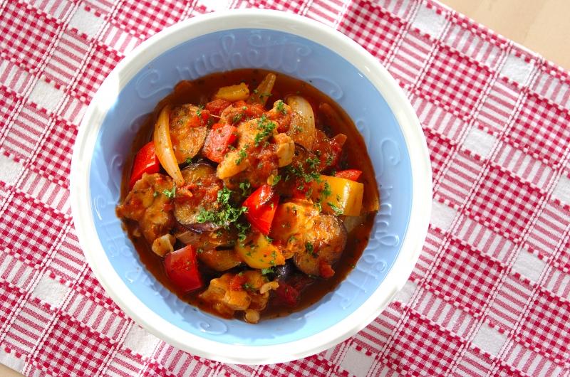 チキンと夏野菜のトマト煮の作り方の手順