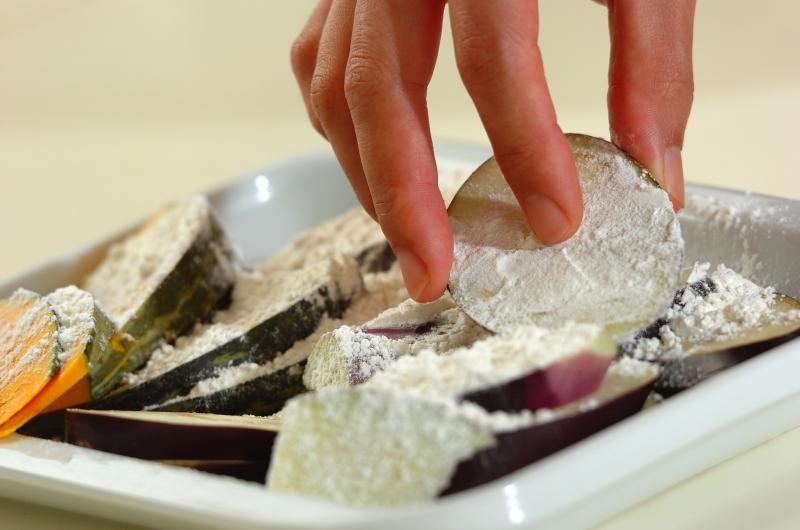 ナスとカボチャの素揚げの作り方の手順3