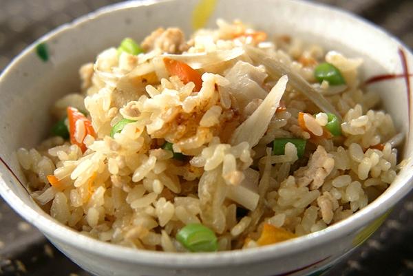 ゴボウの炊き込みご飯の作り方の手順