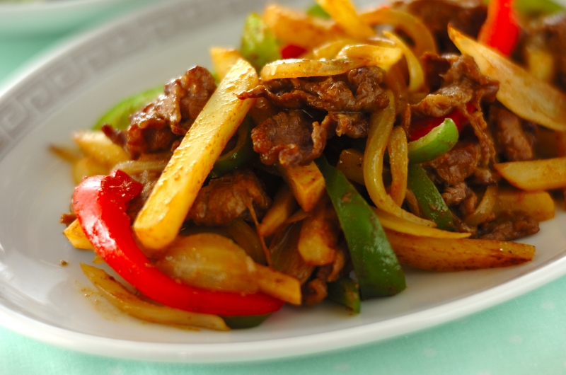 牛肉とジャガイモの中華カレー炒め