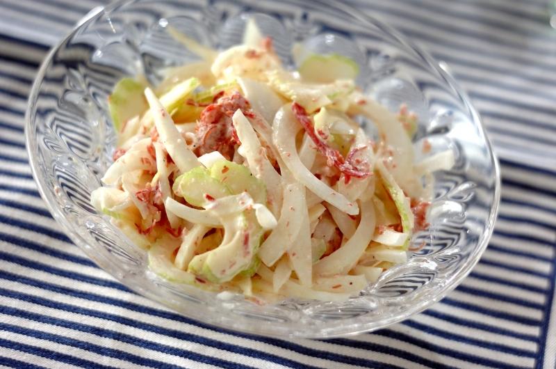 セロリとコンビーフのレモンサラダの作り方の手順