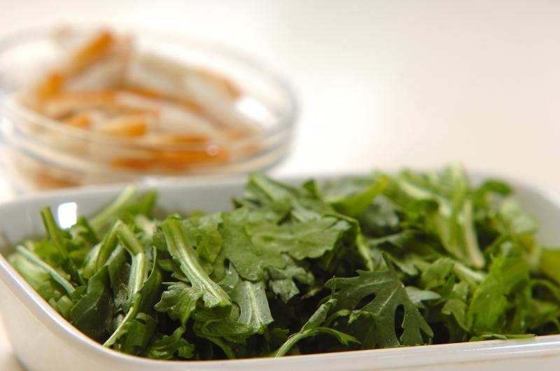 春菊とジャガイモの和風チヂミの作り方の手順2