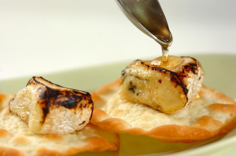 カマンベールのハチミツがけの作り方の手順3