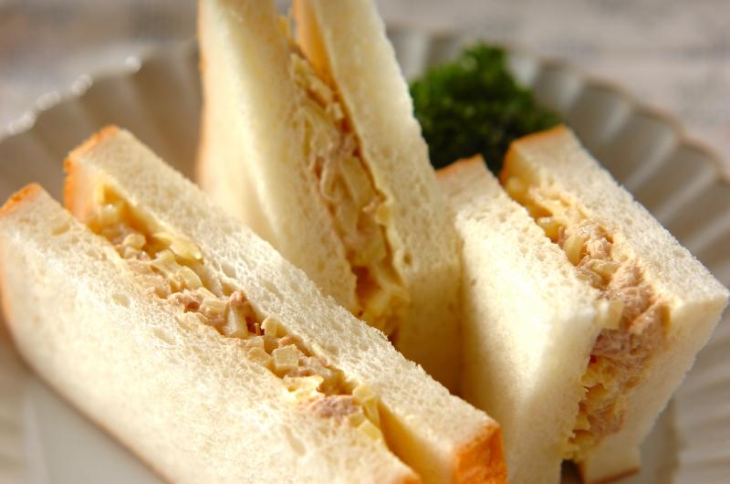 ツナとたくあんのサンドイッチ