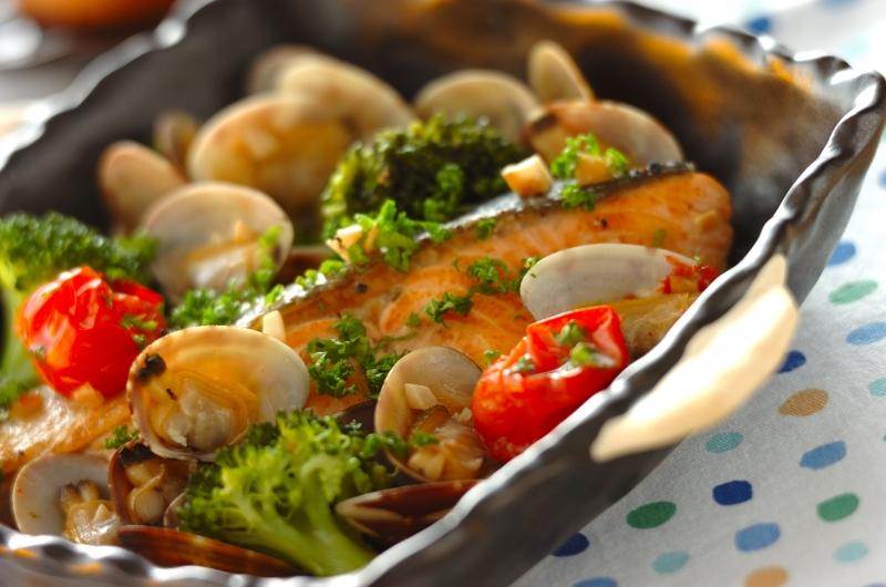 鮭のアクアパッツァの作り方の手順