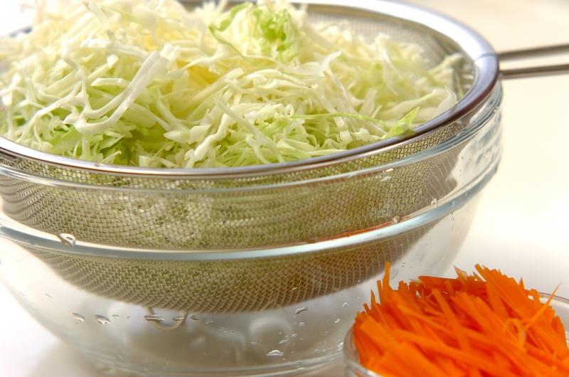 せん切りキャベツのマスタードマヨサラダの作り方の手順1