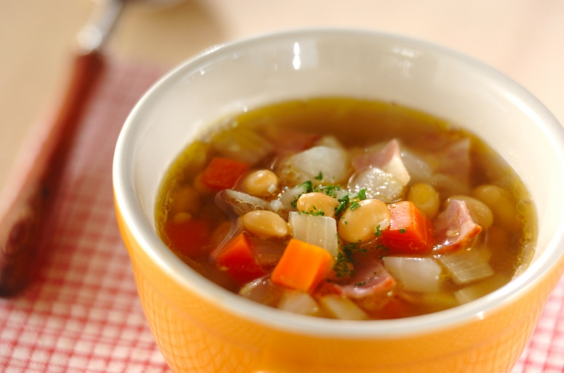 大豆と野菜のスープ
