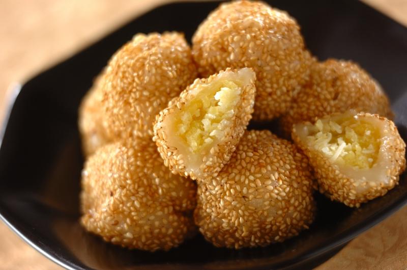 ココナッツ風味のサツマゴマ団子の作り方の手順