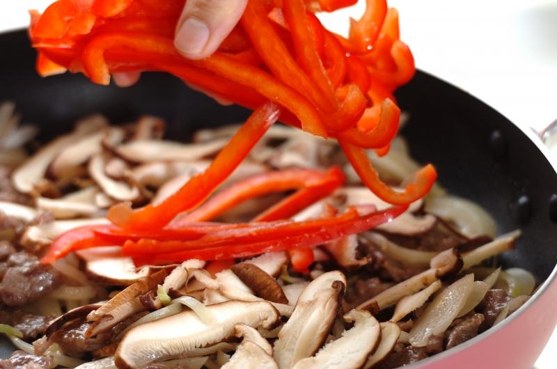 ニンニク・ショウガしょうゆを使ったチャプチェの作り方の手順8