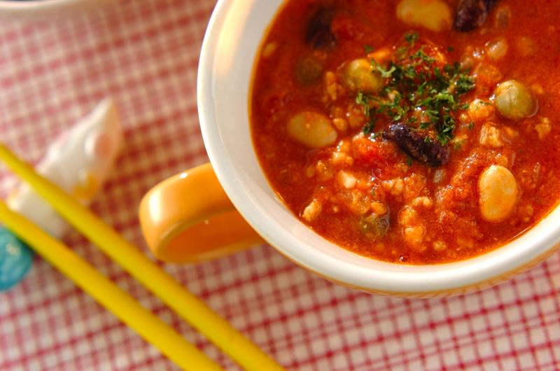 鶏ひき肉と豆のスープ煮
